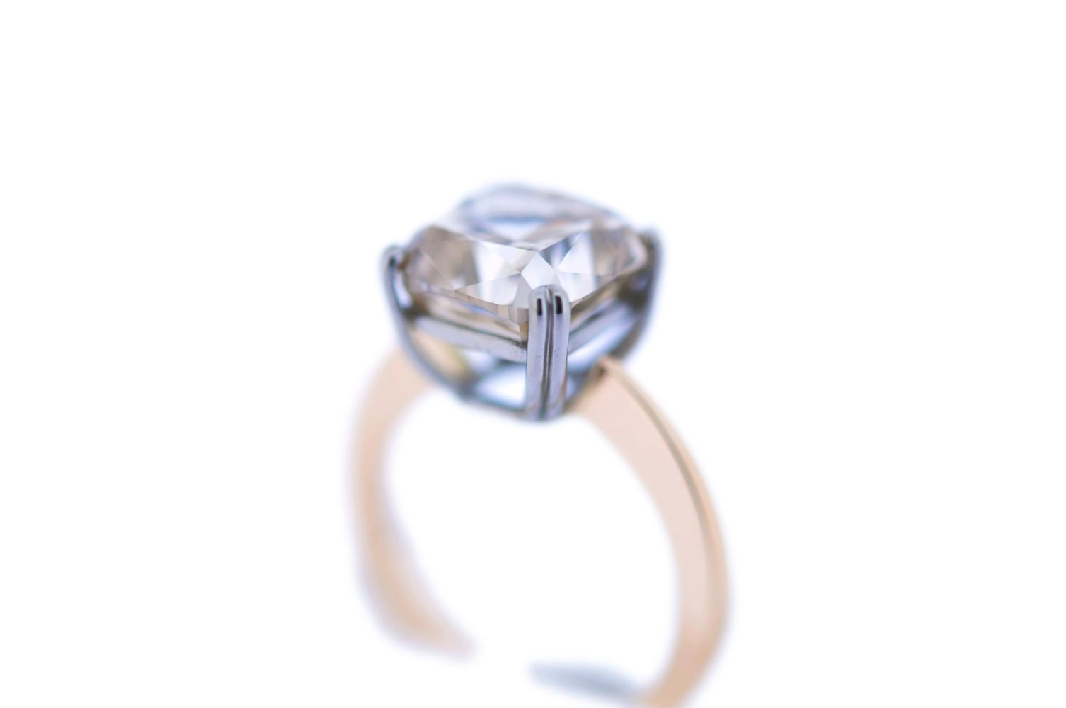 #83 Fancy Colored Diamond Ring | Fancy Color-Diamantring Image