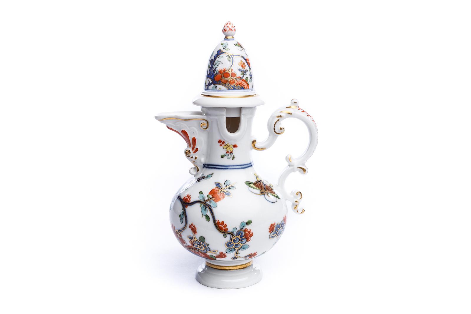 #158 Seltene Deckelkanne, Meissen 1735   Rare lidded jug, Meissen 1735 Image