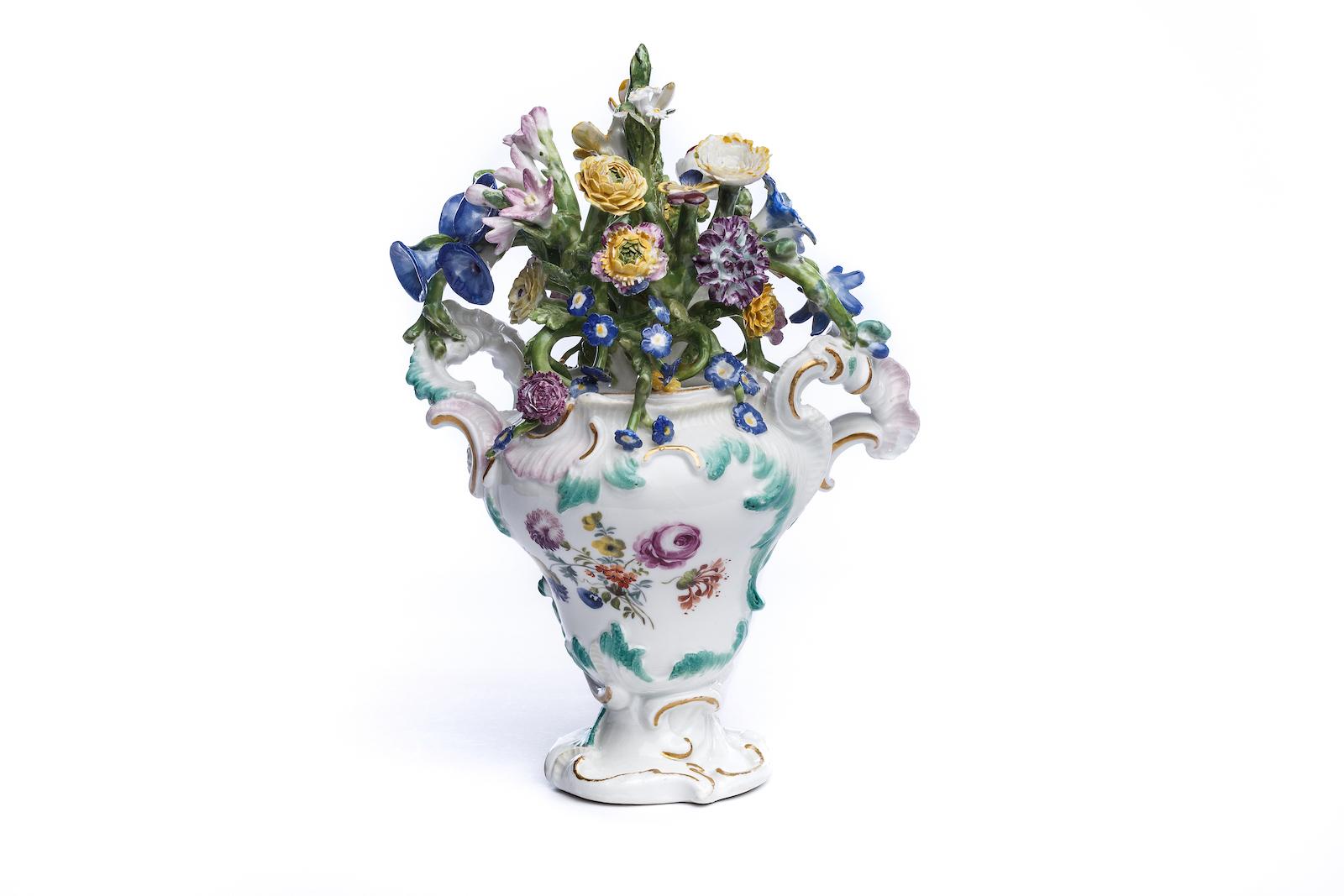 #171 Vase mit Blumen, Meissen 1750 | Vase with flowers, Meissen 1750 Image