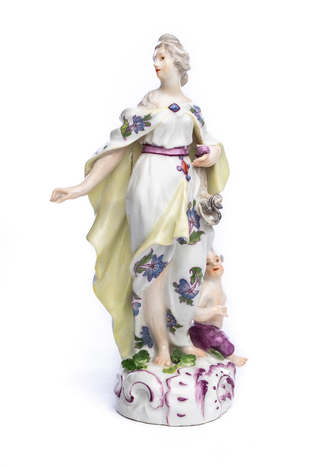 #177 Weibliche Porzellanfigur, Meissen 1752 | Figure of a young woman, Meissen 1752 Image