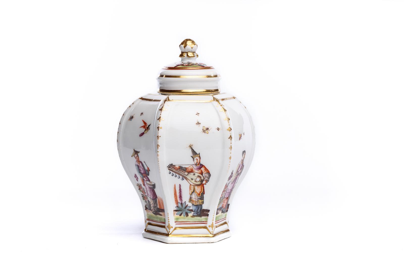 #46 Teedose, Meissen 1735/40   Tea Tin, Meissen 1735/40 Image