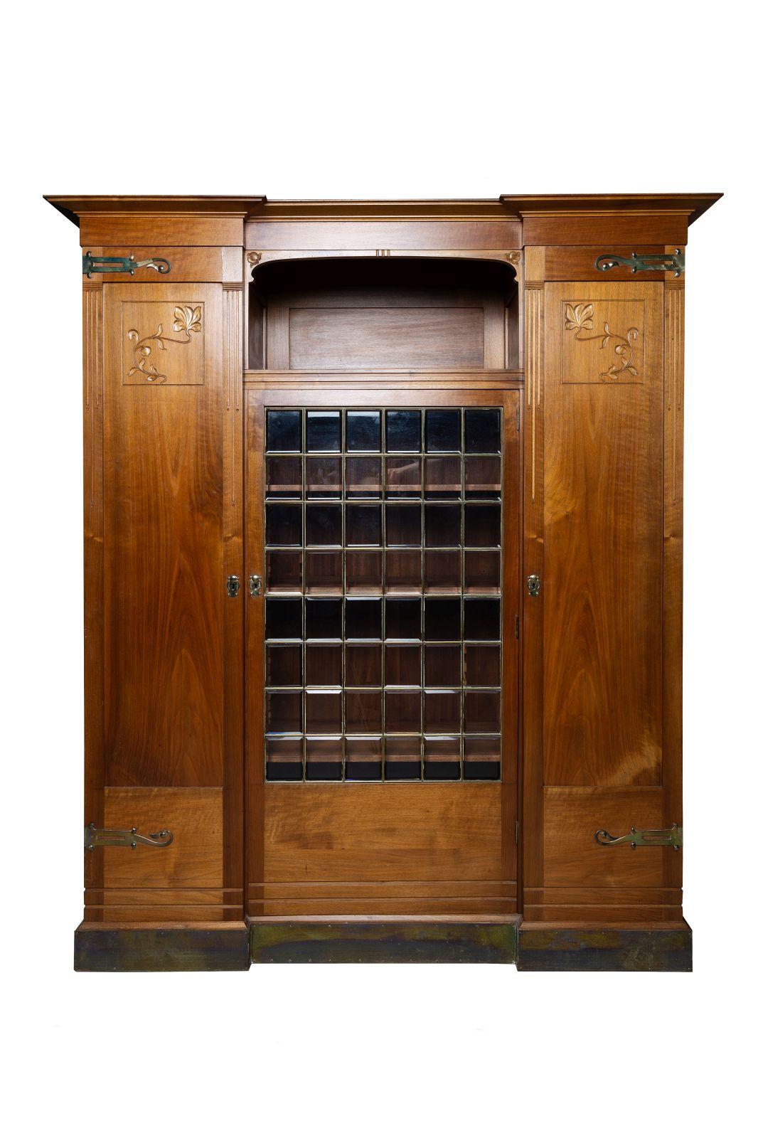 #172 Cabinet | Schrank Image