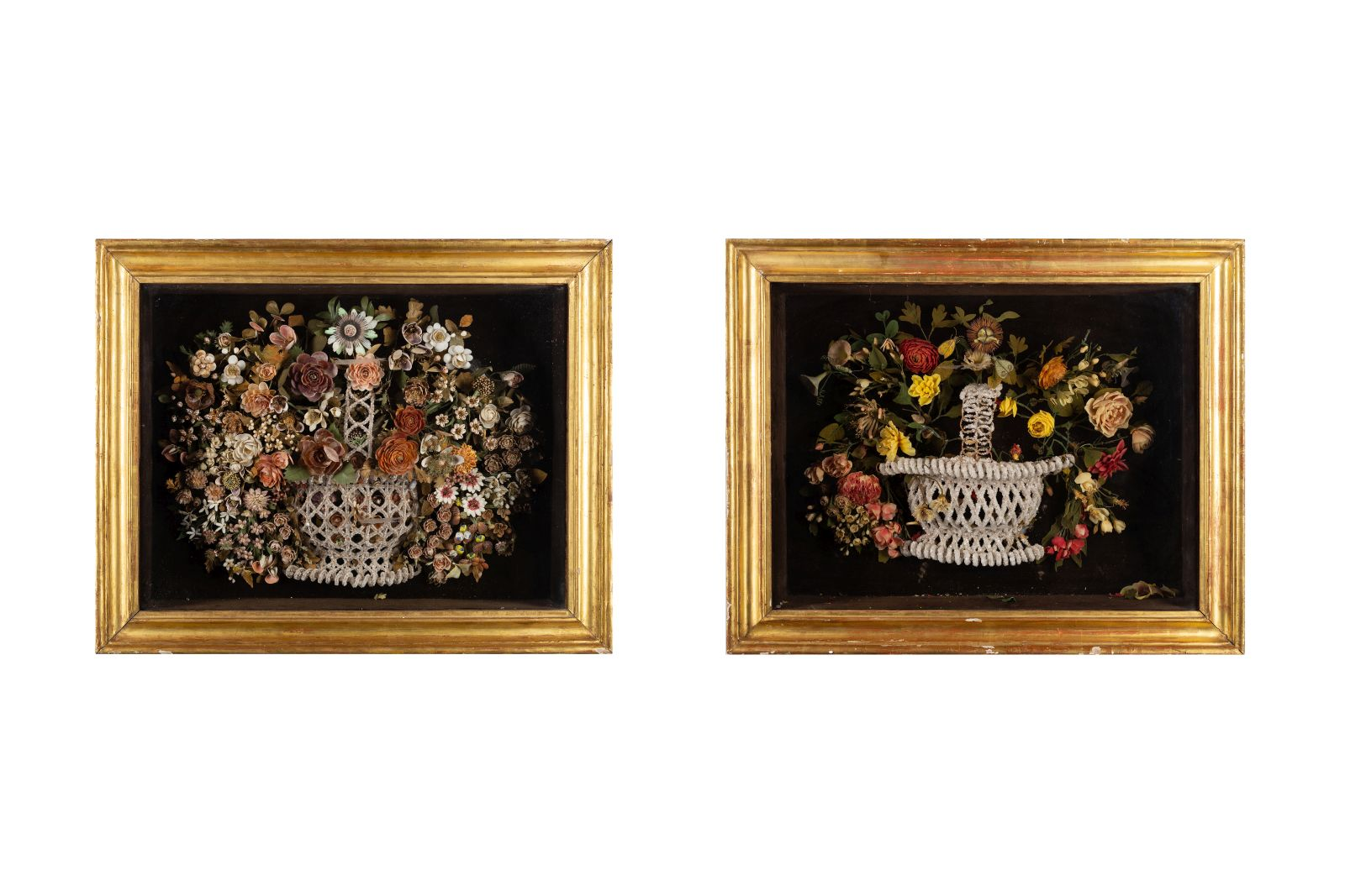 #32 Two Display Cases with Bouquets of Flowers, Sicily, 19th C. | Zwei Schaukästen mit Blumenbouquets, Sizilien, 19. Jh. Image