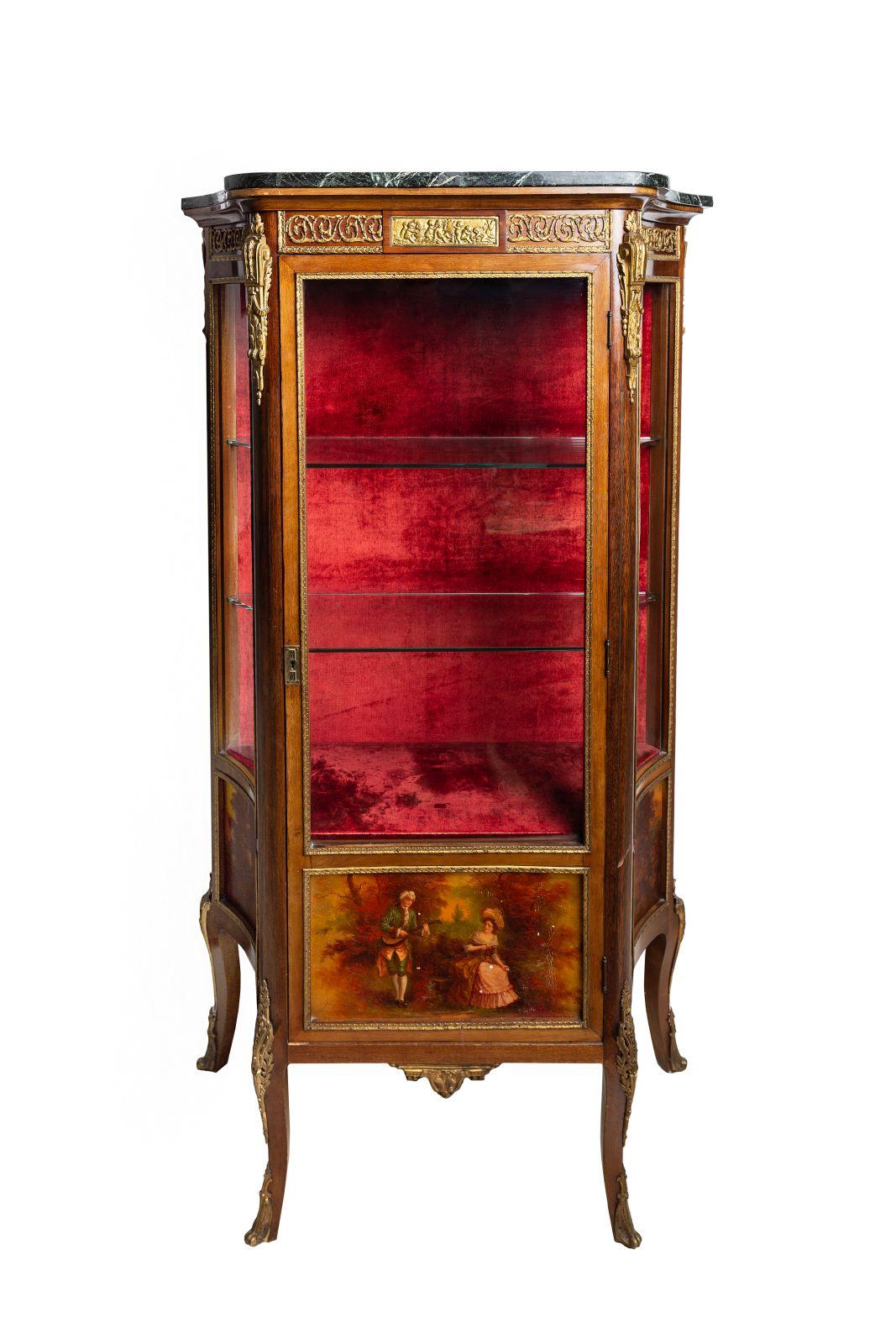 #59 Glass cabinet in French style | Glasvitrine im Französischen Stil Image
