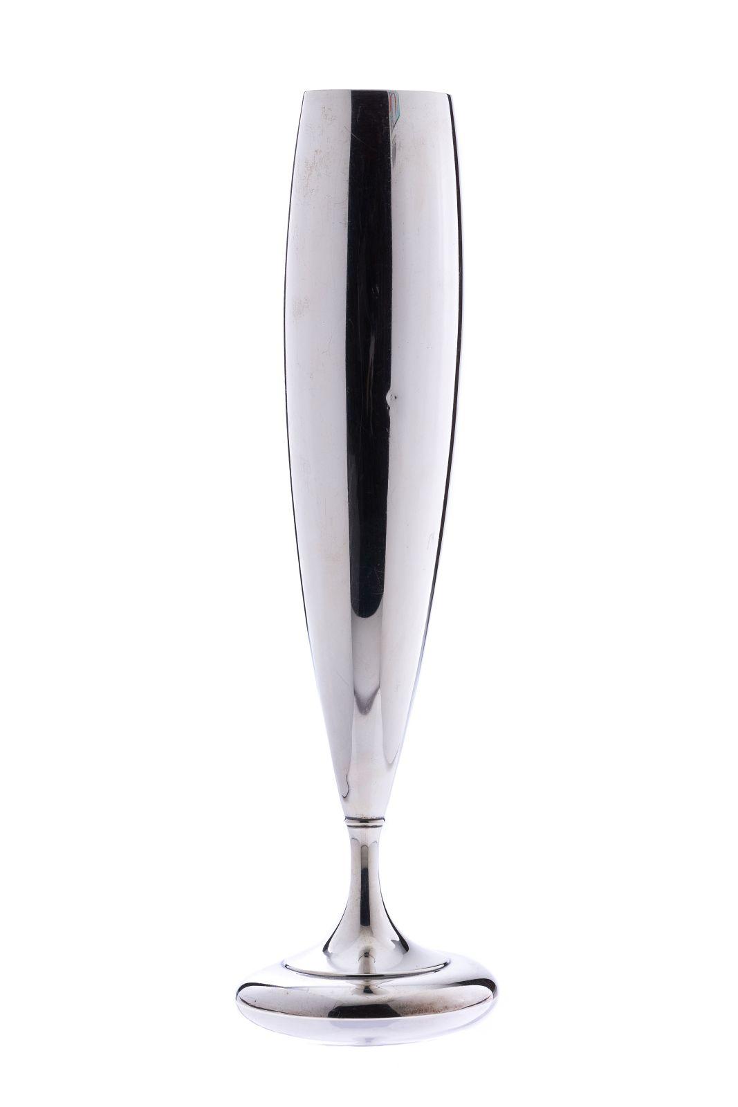 #111 Silver vase   Silbervase Image