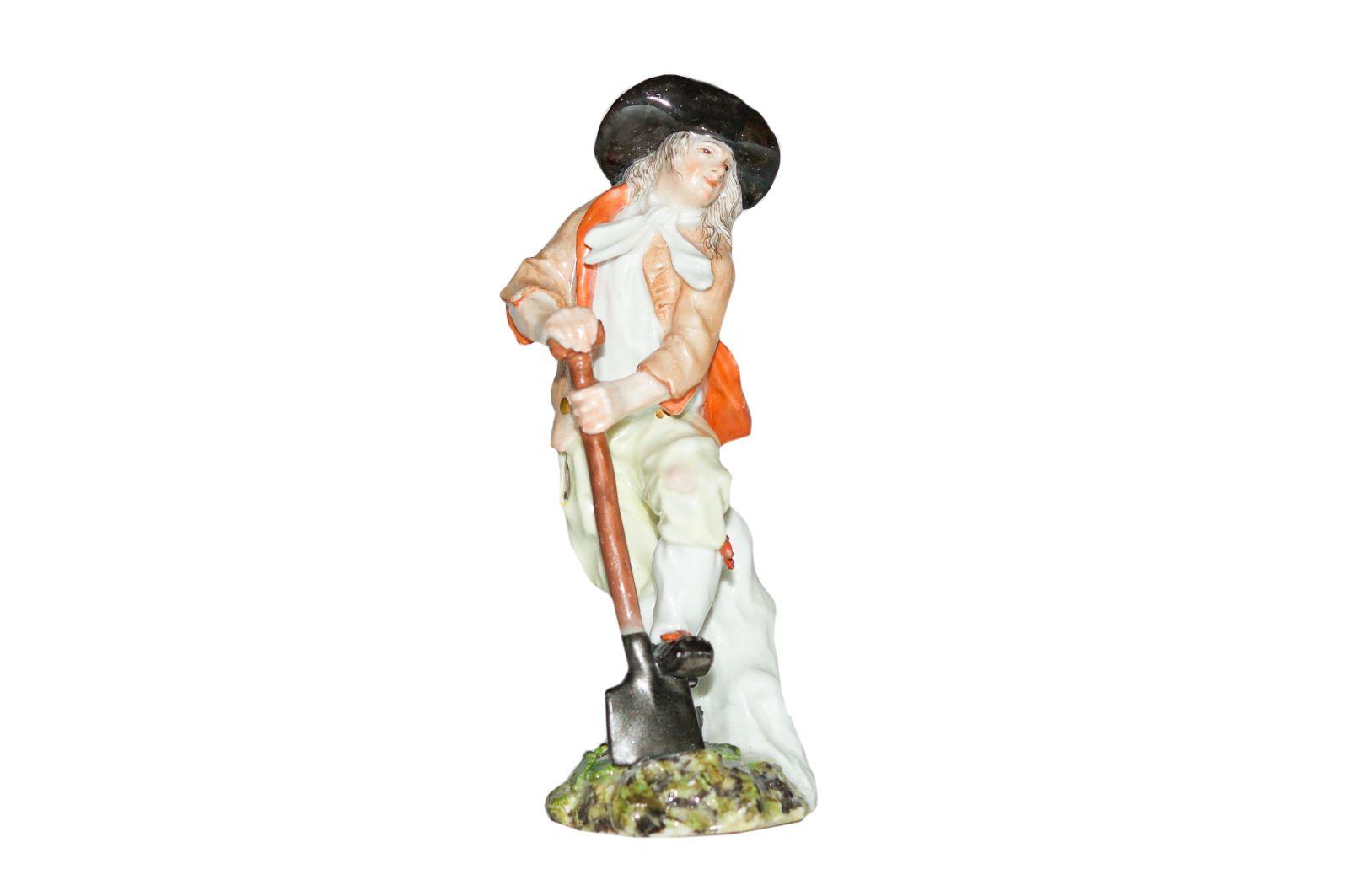 #187 Winemaker with shovel, Meissen 1750 | Weinbauer mit Schaufel, Meissen 1750 Image