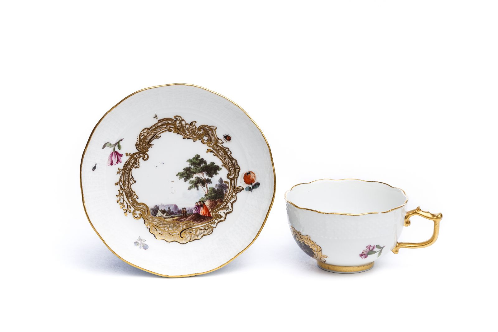 #31 Cup with saucer Image