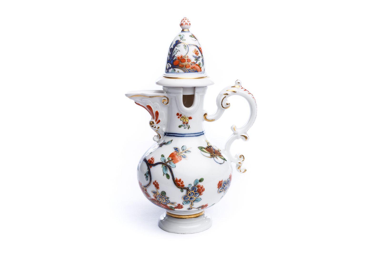 #34 Rare lidded jug, Meissen 1735 | Seltene Deckelkanne, Meissen 1735 Image