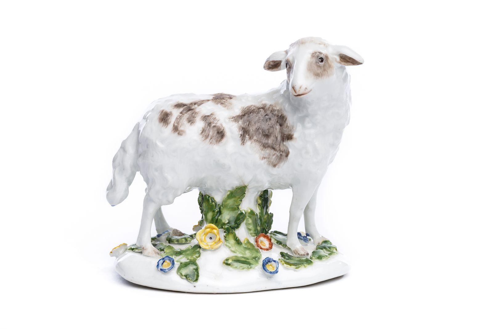 "#44 Porcelain figure ""Sheep"", Meissen 1750 | Porzellanfigur ""Schaf"", Meissen 1750 Image"