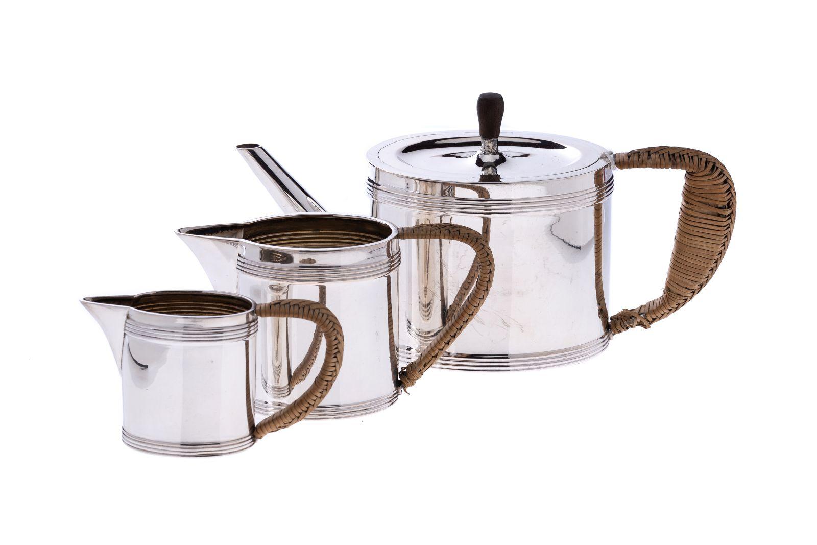#58 Small teapot, 2 creamer | Kleine Teekanne, 2 Milchkännchen Image