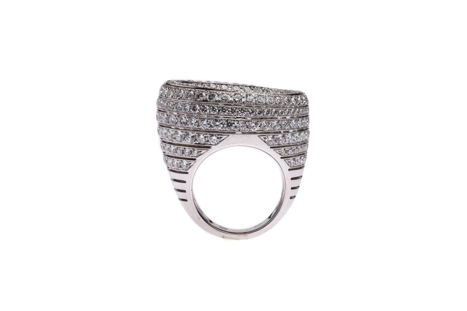 #102 White gold ring Colloseum | Weißgoldring Colloseum Image