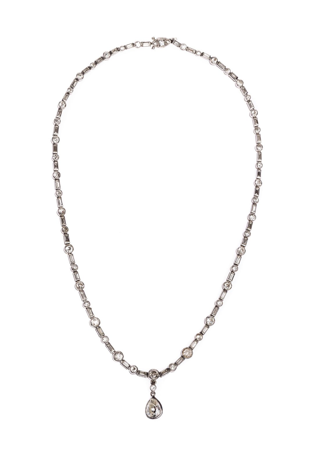 #114 Collier Image