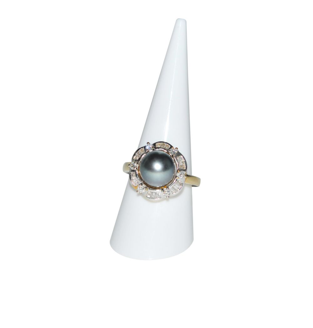 #104 Brilliant ring with South Sea pearl | Brillantring mit Südseeperle Image