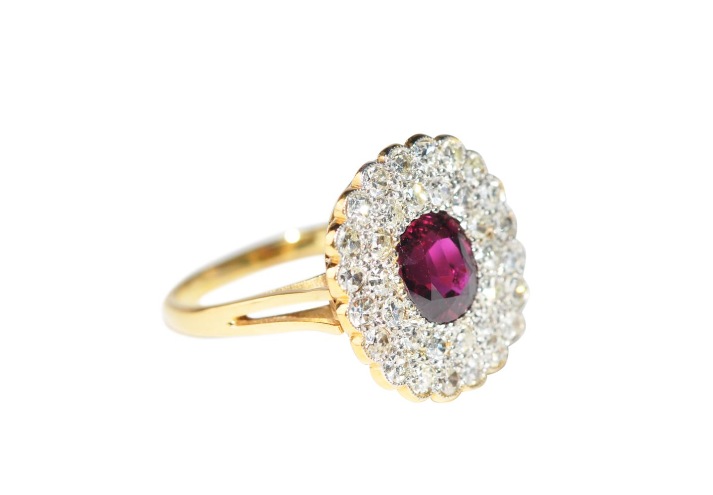 #128 Brilliant ring with ruby untreated | Brillantring mit Rubin unbehandelt Image