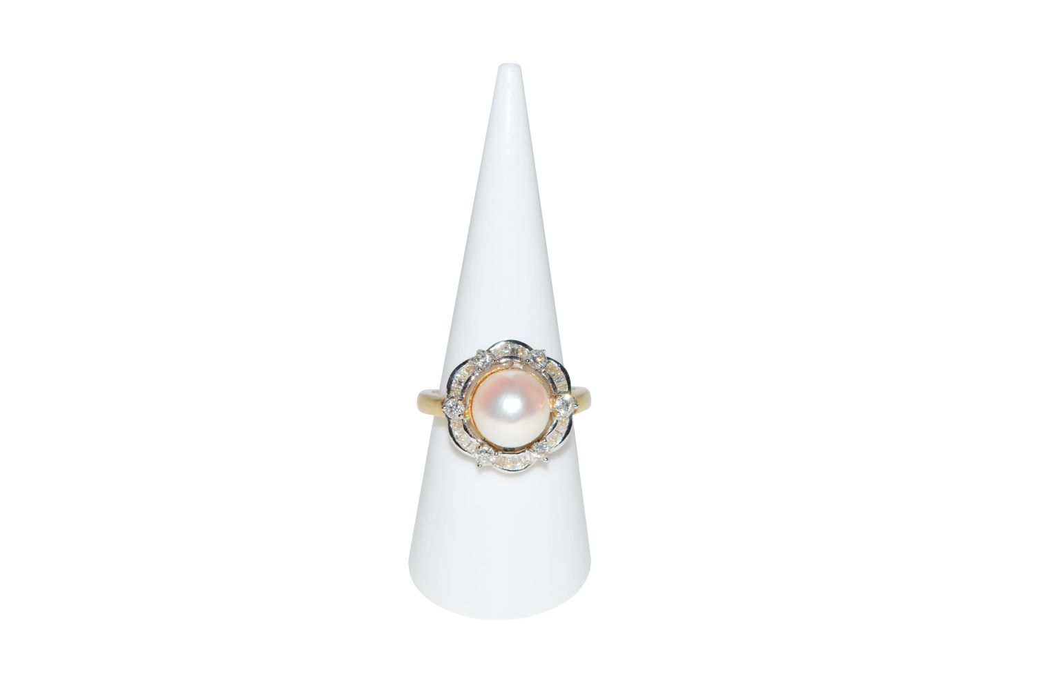 #89 Brilliant ring with South Sea pearl | Brillantring mit Südseeperle Image