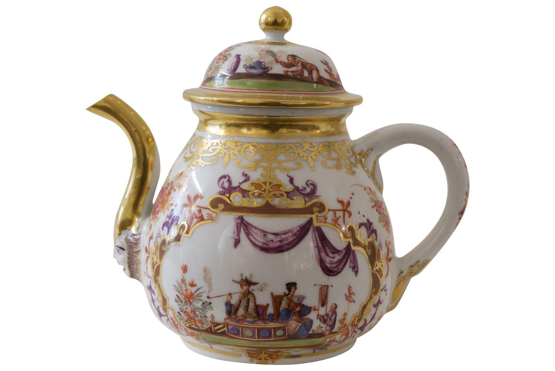 #195 Teapot Meissen around 1730   Teekanne Meissen um 1730 Image