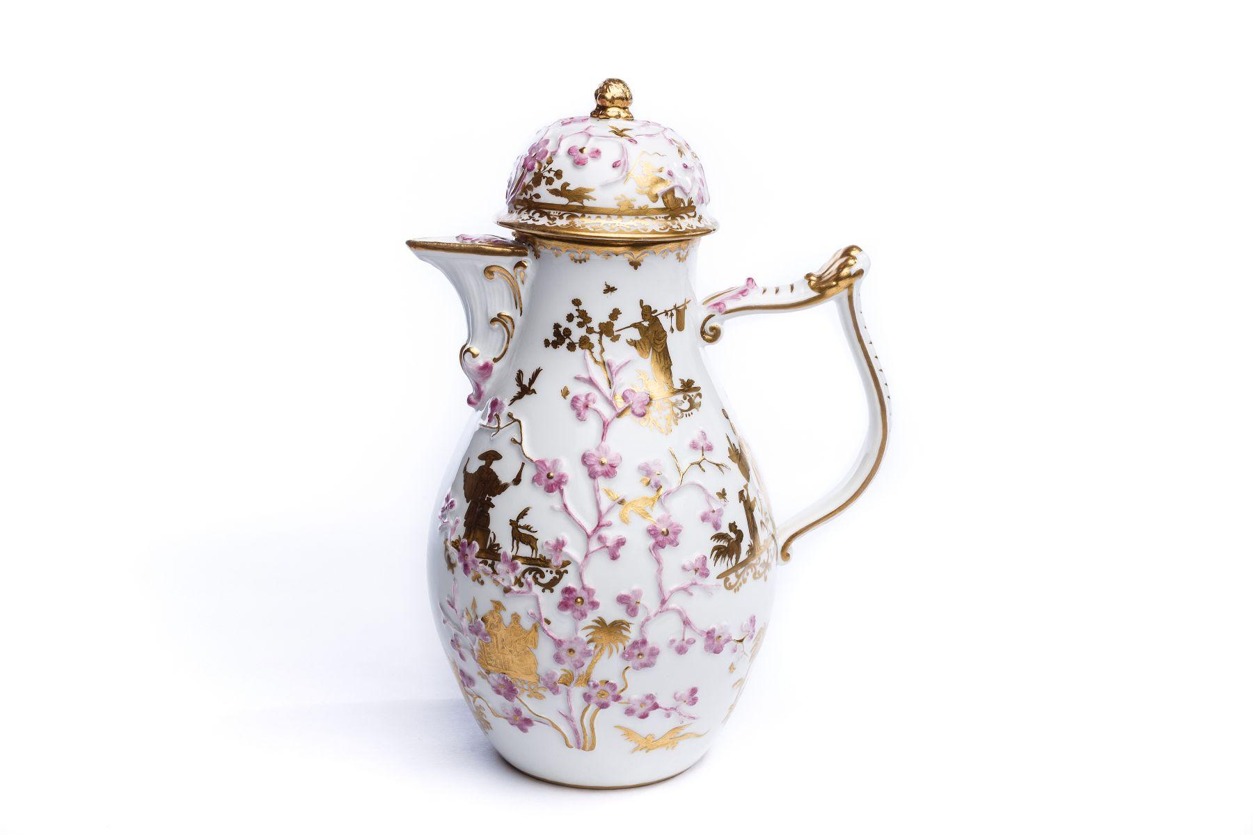 #57 Coffee pot, Meissen 1735/40 | Kaffeekanne, Meissen 1735/40 Image