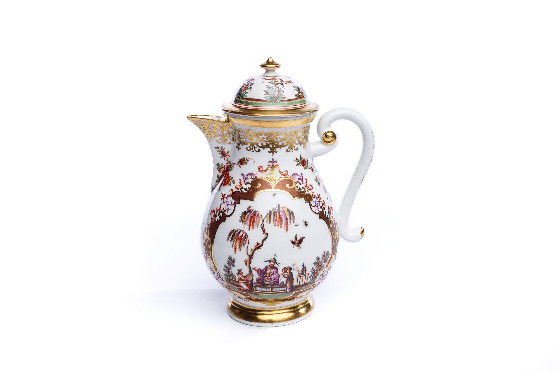 #64 Coffee pot, Meissen 1725/30   Kaffeekanne, Meissen 1725/30 Image