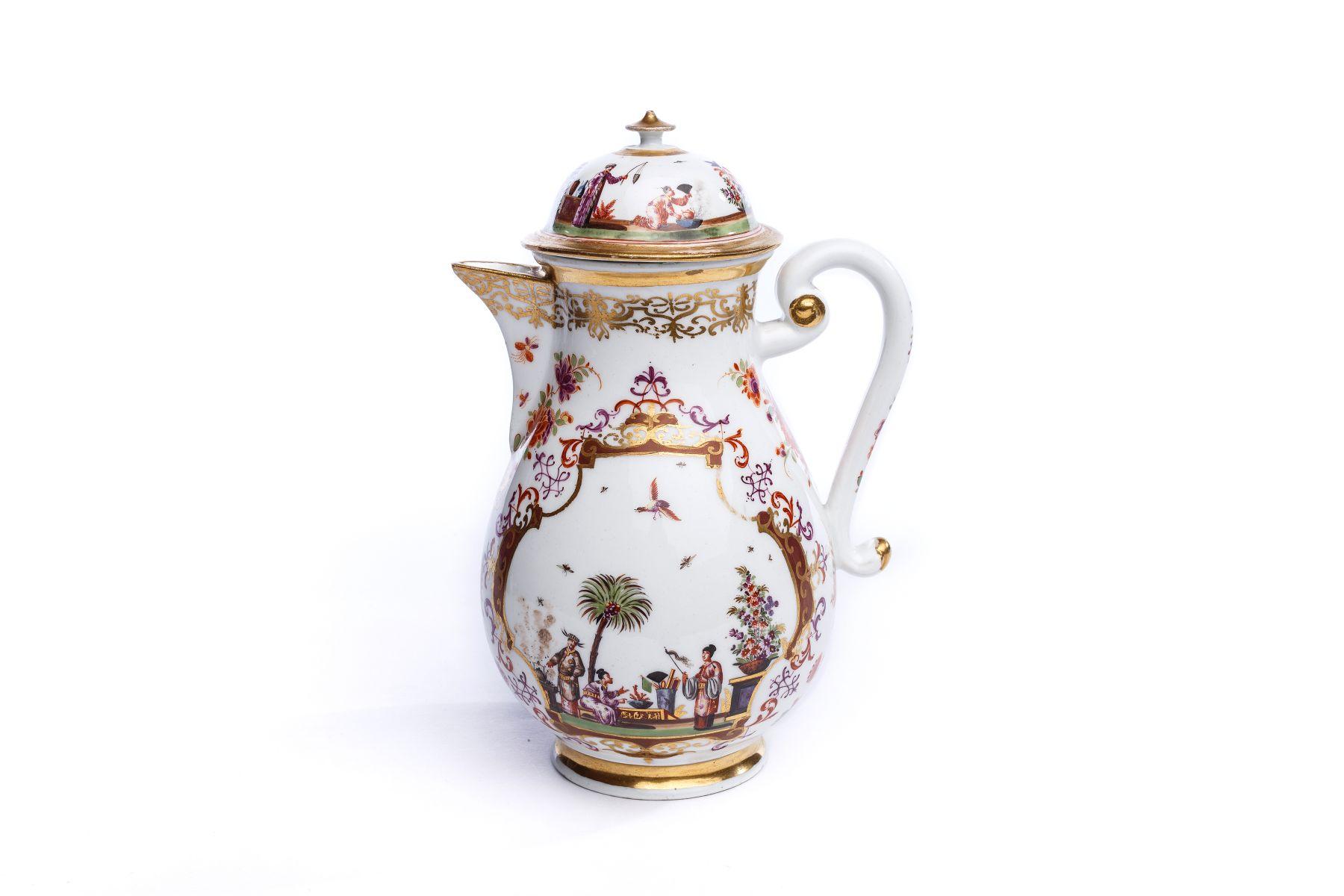 #68 Coffee pot, Meissen 1723/24   Kaffeekanne, Meissen 1723/24 Image