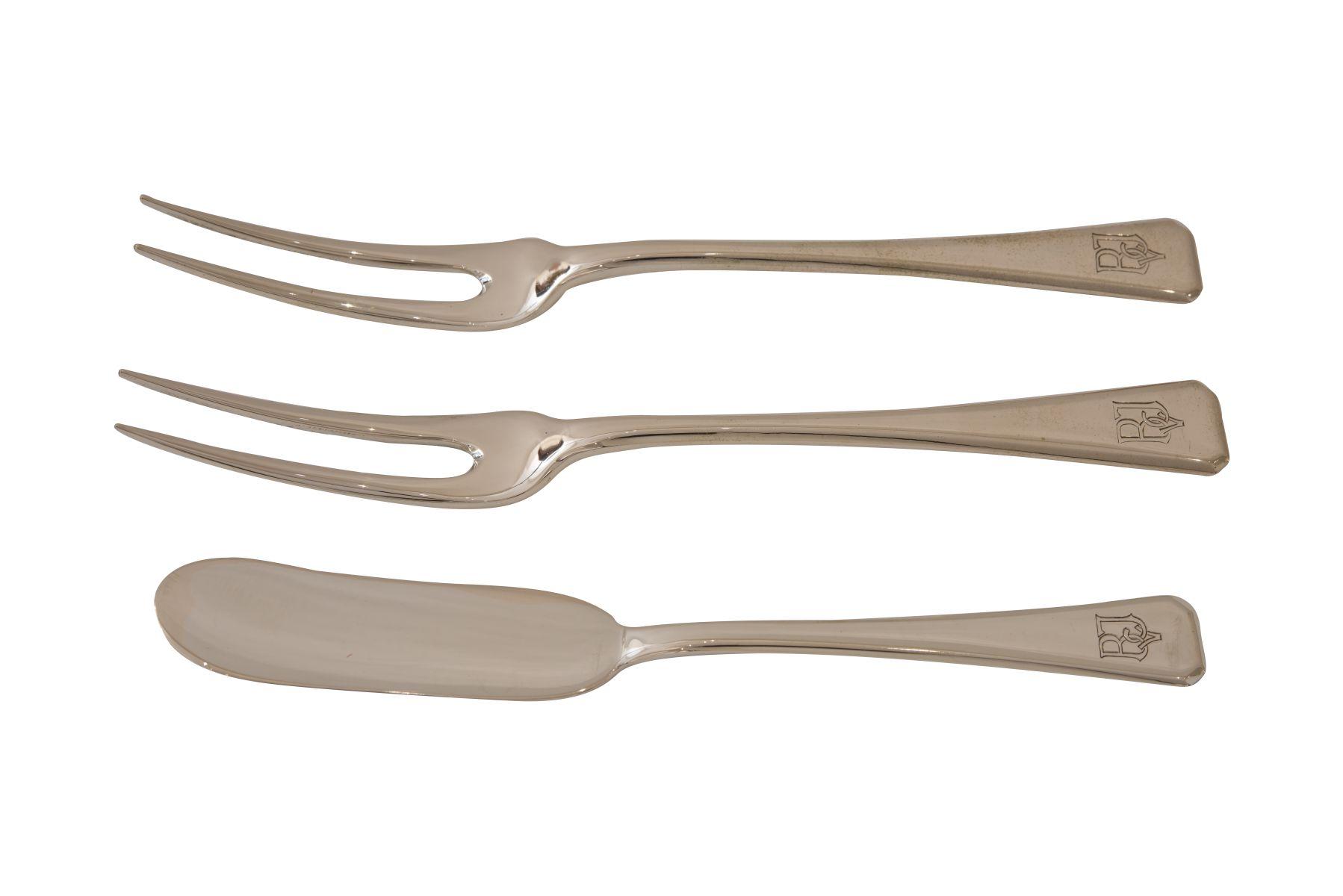 #59 Three part bundle of cabaret forks and a butter knife | Dreiteiliges Konvolut Image