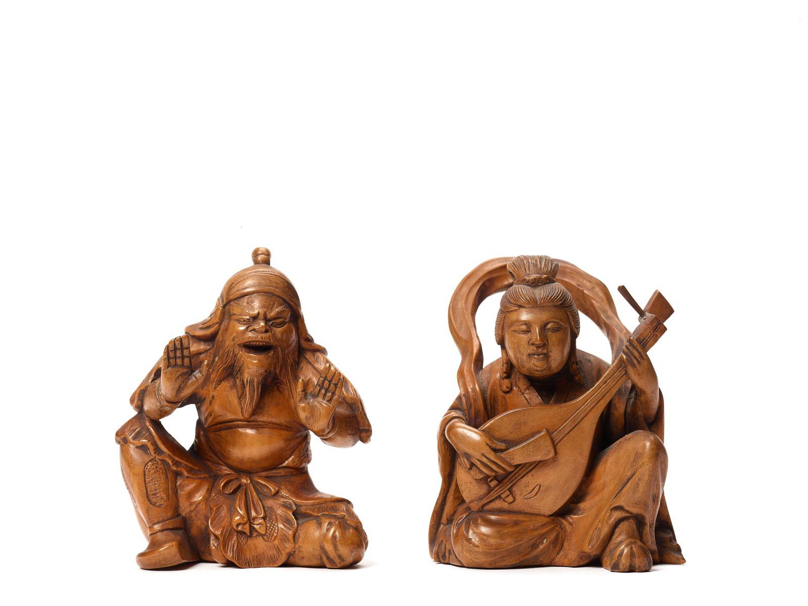 #197 Two wood Okimonos depicting Benten and Bishamon | Zwei Holz-Okimonos mit Benten und Bishamon Image