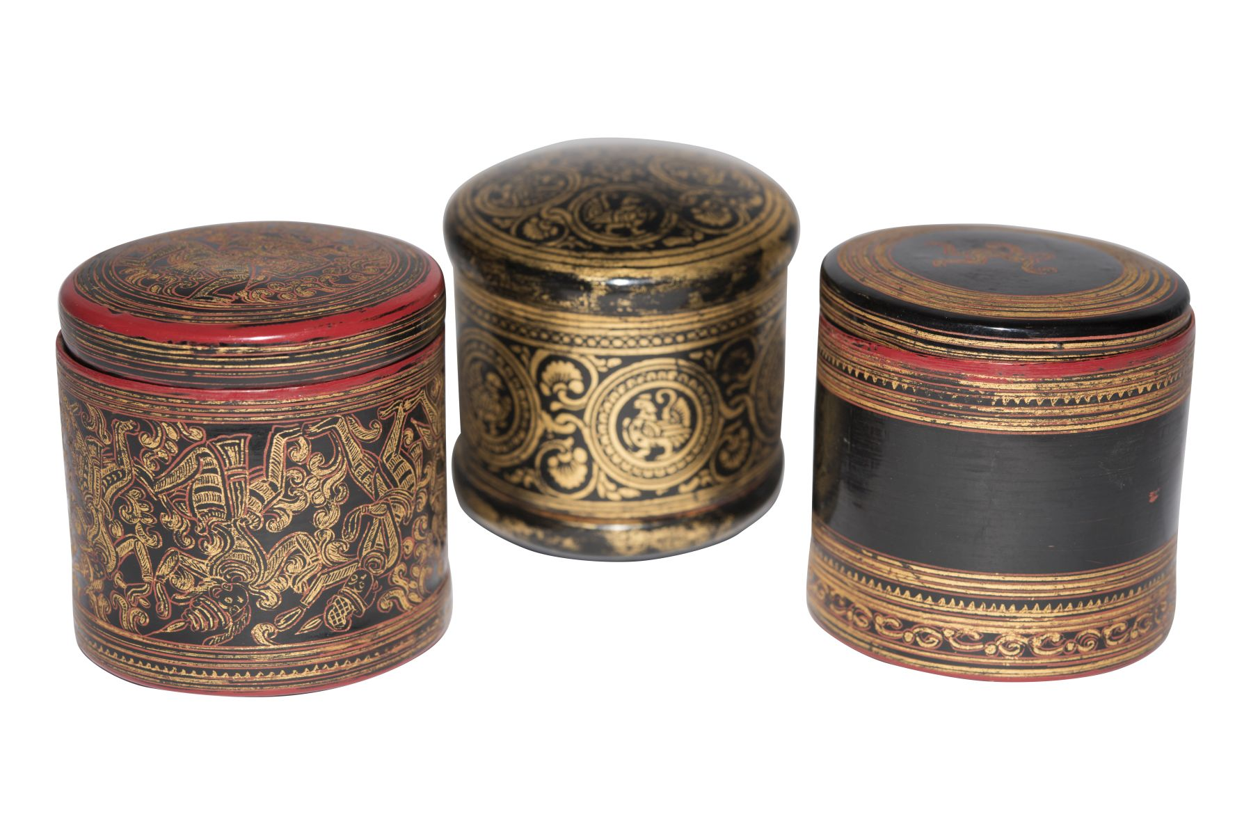 #79 Three small round wooden boxes made of Chinese lacquer | Drei kleine runde Holzschachteln aus Chinalack Image