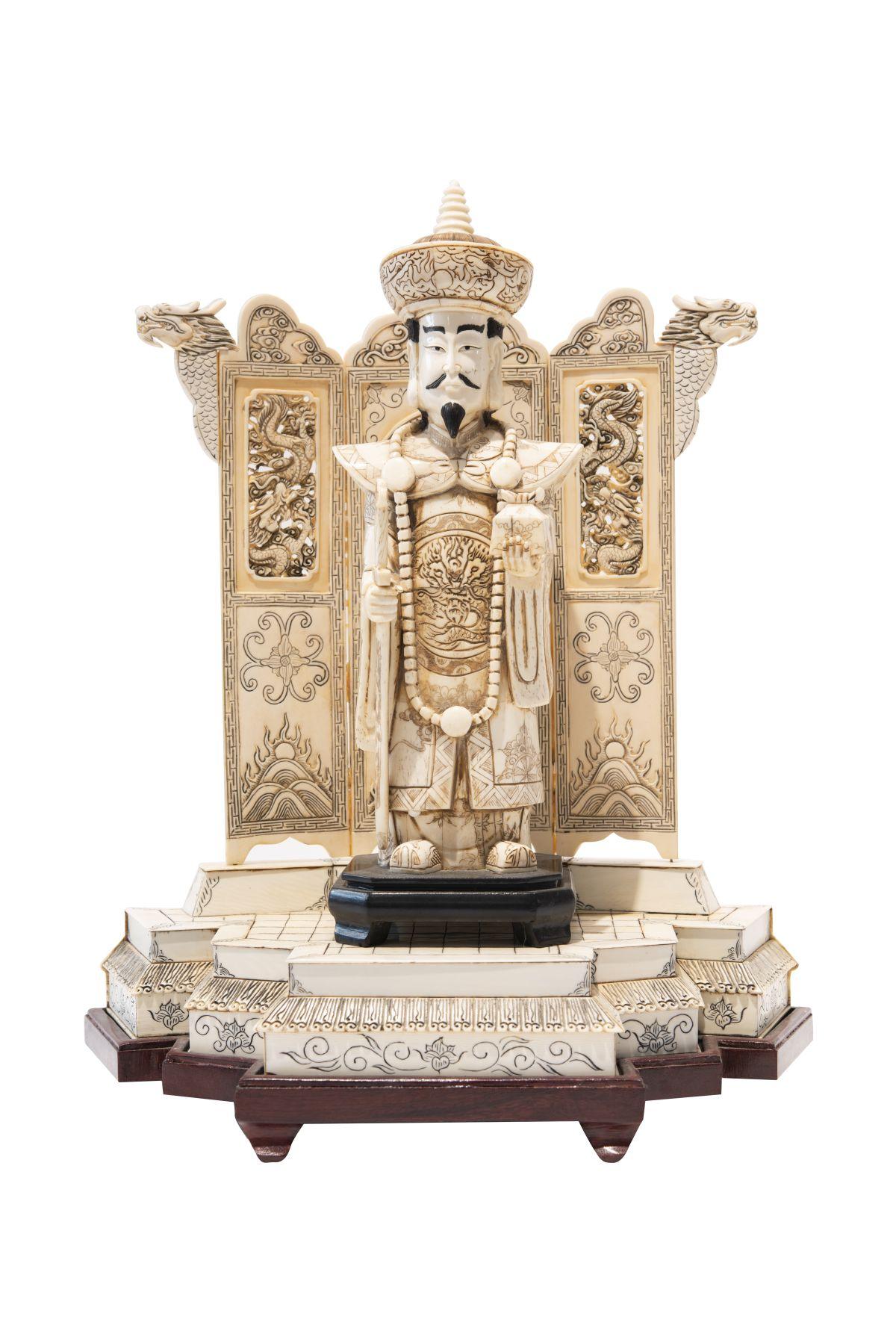 #8 Ruler of china ivory | Herrscher China Elfenbein Image