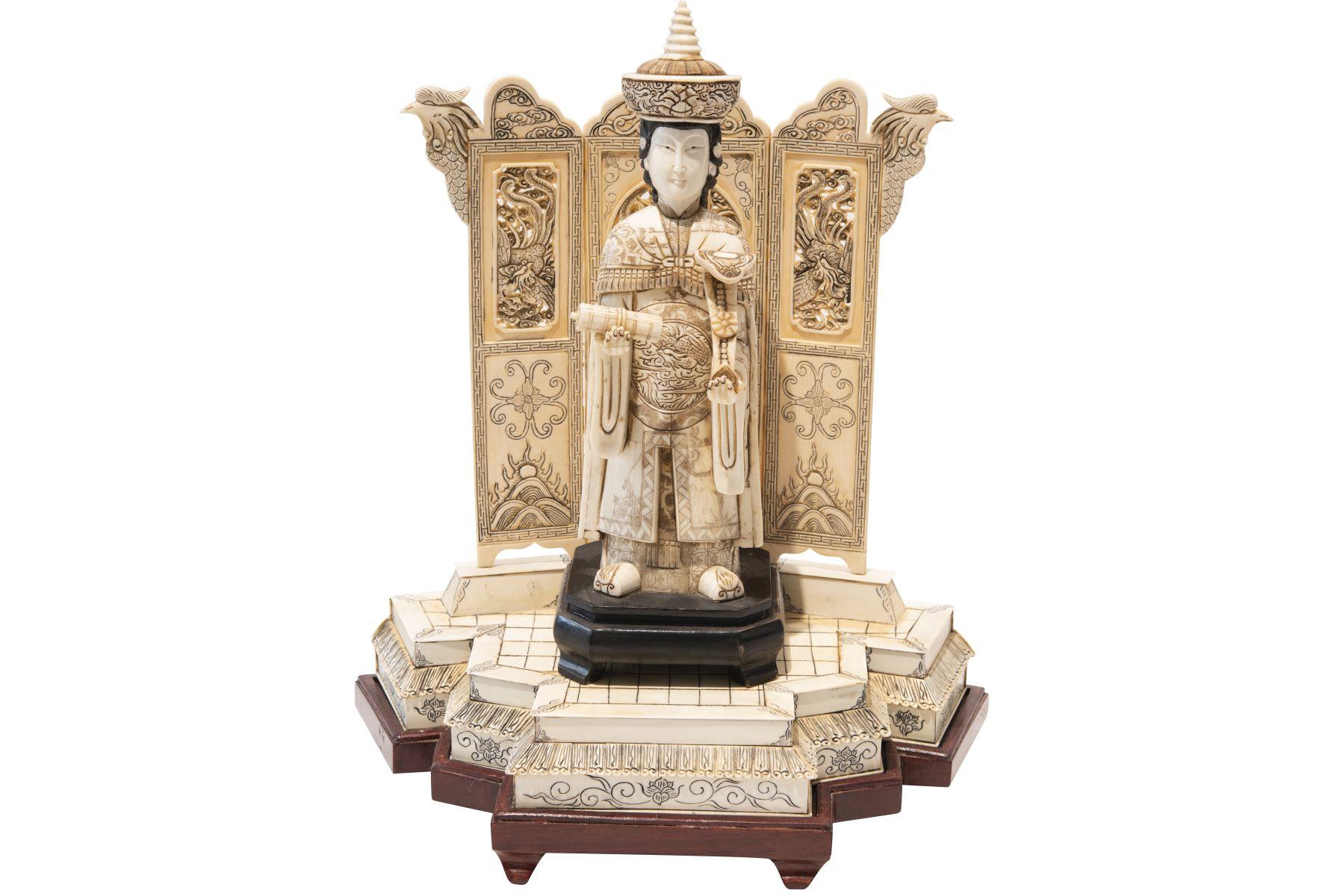 #9 Queen of China ivory | Herrscherin China Elfenbein Image