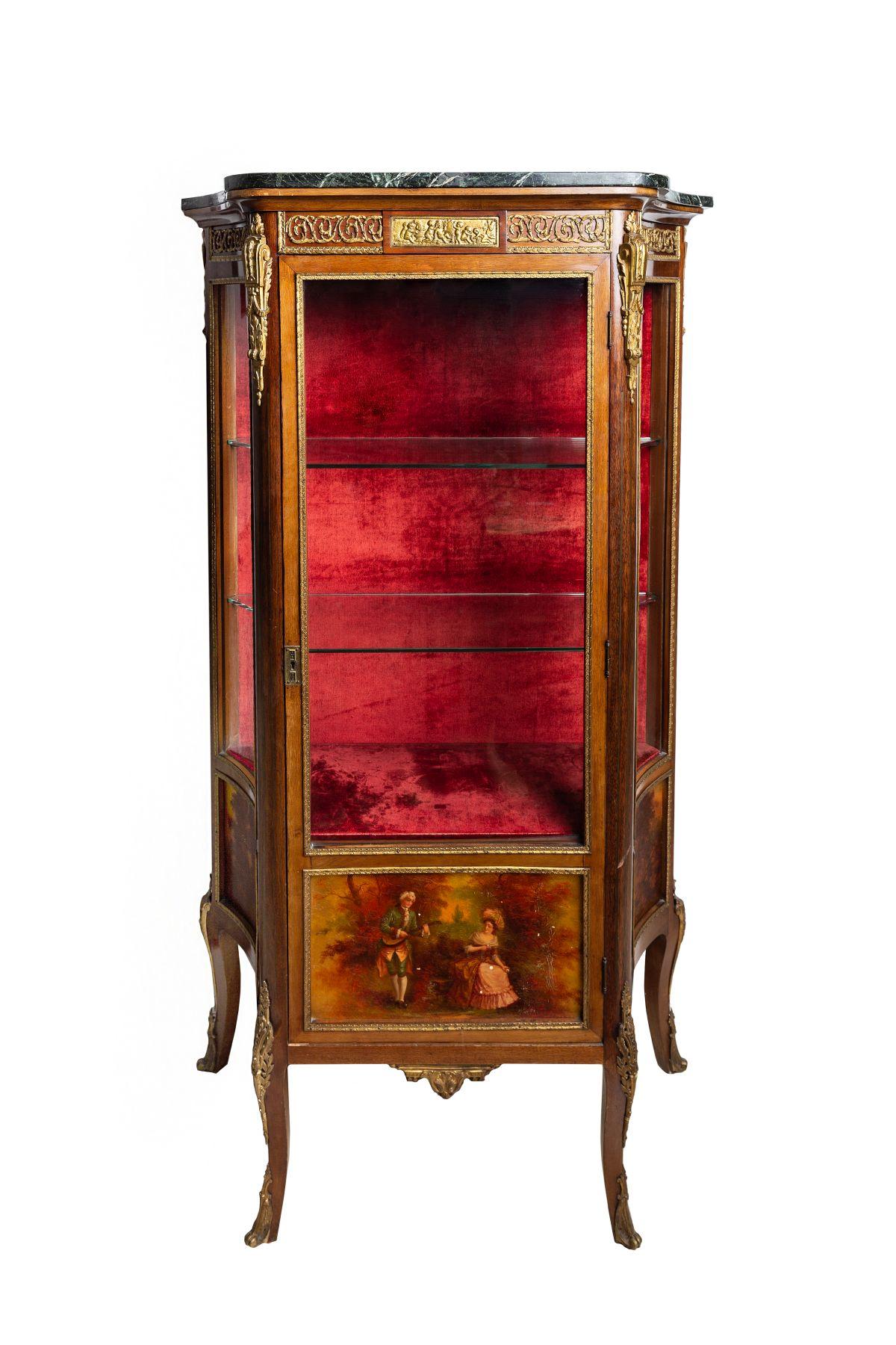 #155 Glas cabinet | Glasvirtrine im Französischem Stil Image