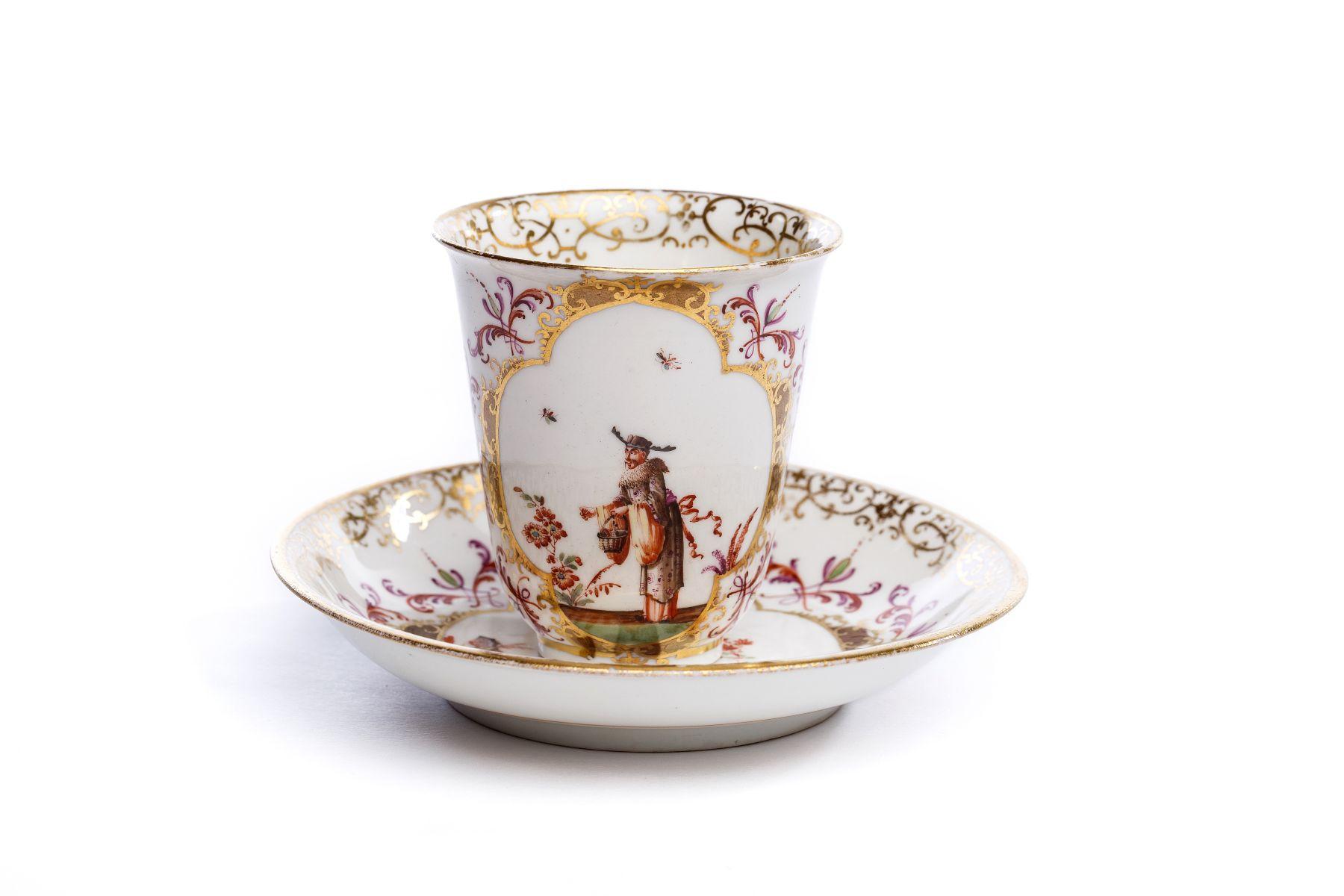 #37 Beaker with saucer, Meissen 1725/30 | Becher mit Unterschale Meissen 1725/30 Image