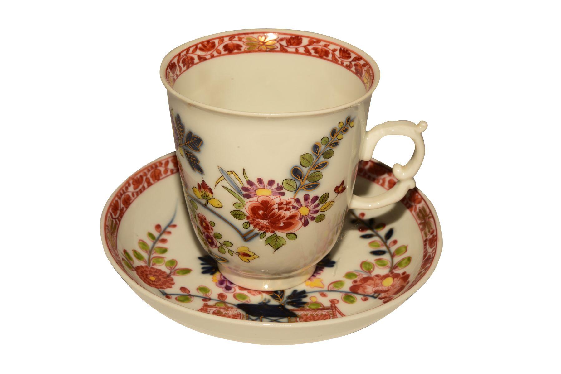 #67 Tall cup and saucer, Meissen 1740   Hohe Tasse mit Untertasse, Meissen 1740 Image