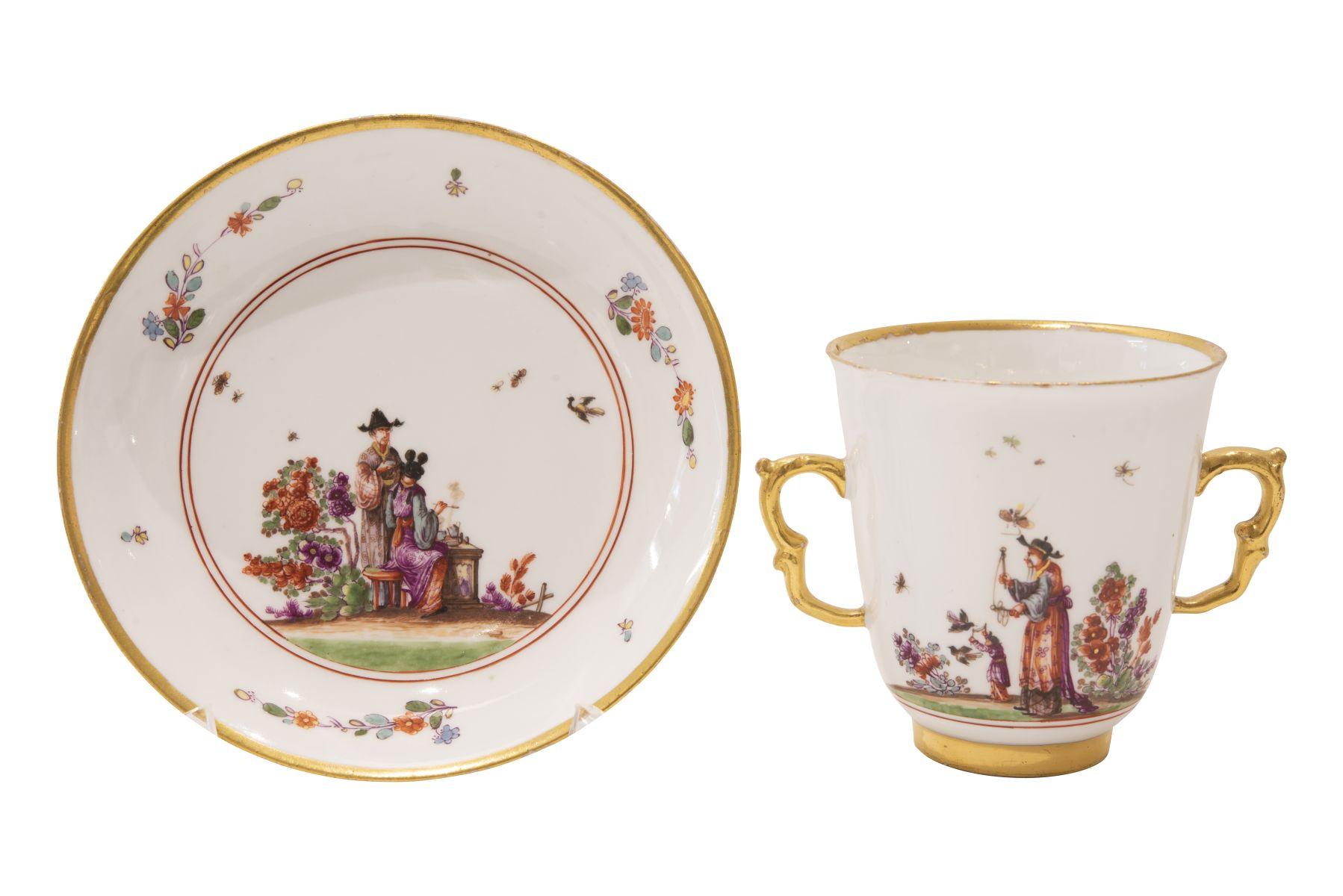 #109 Two-handled chocolate beaker with saucer, Meissen 1738/40,   Schokoladenbecher mit Unterschale Meissen 1738/40 Image