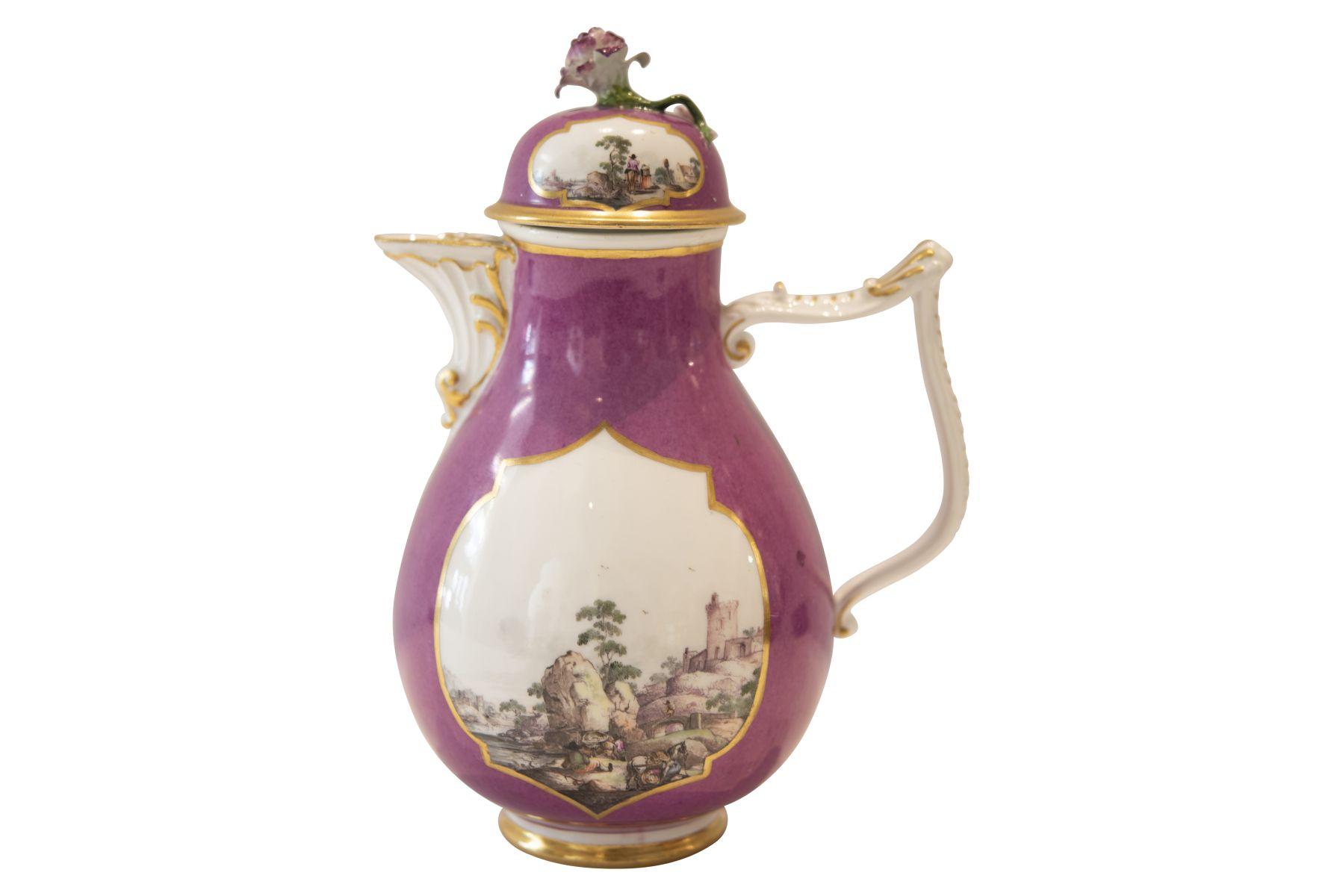 #240 Coffee pot Meissen around 1763 | Kaffeekanne Meissen um 1763 Image