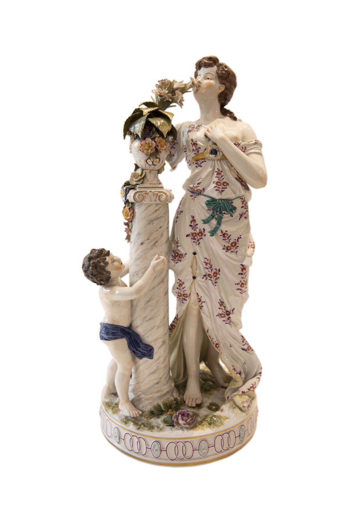 #269 Female porcelain Figurine Viennese porcelain manufactory   Weibliche Porzellan Figur Wiener Porzellan Manufaktur Image