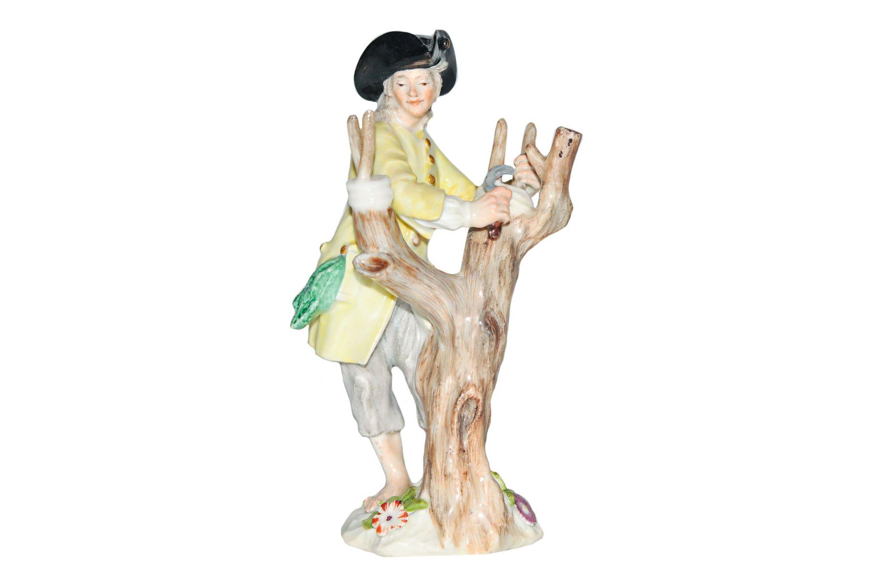 """#77 Winegrower with vine tree, Meissen 1750   Figur """"Weinbauer mit Weinstock"""" Meissen 1750 Image"""