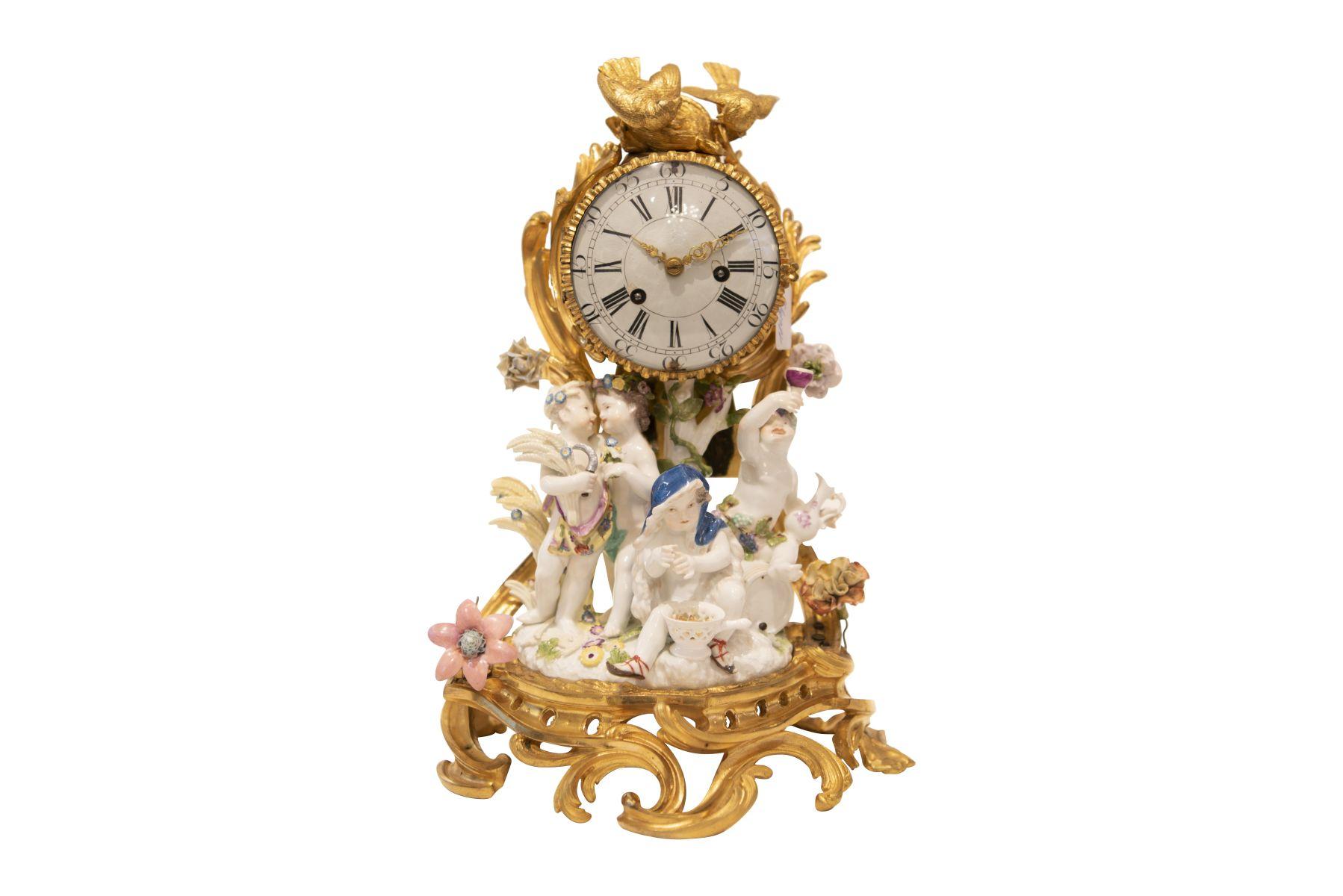 #89 Small pendulum with the 4 seasons, Meissen movement Jean Romilly (1714-1796)   Kleine Pendule mit den 4 Jahreszeiten, Meissen Uhrwerk Jean Romilly (1714-1796) Image
