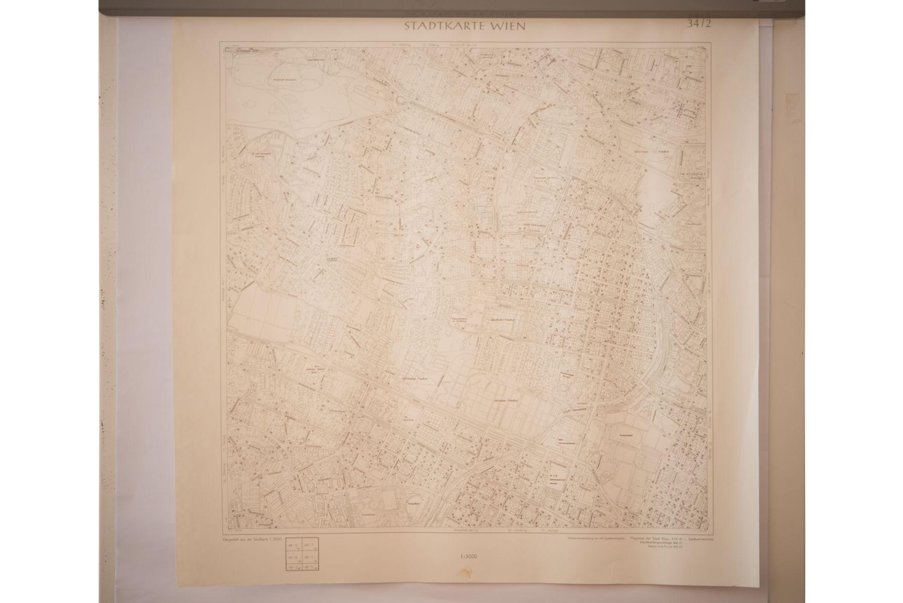 #134 6 City Maps of Vienna   6 Stück Stadtkarten von Wien Image