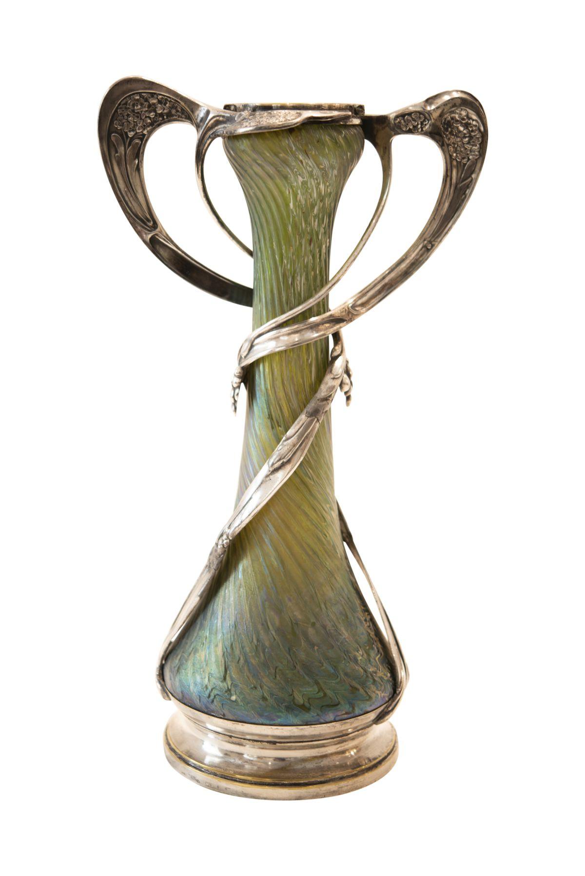 #185 Joh. Loetz Witwe, Vase with Elaborate Tin Mounting | Joh. Loetz Witwe, Vase mit aufwendiger Zinnmontierung Image