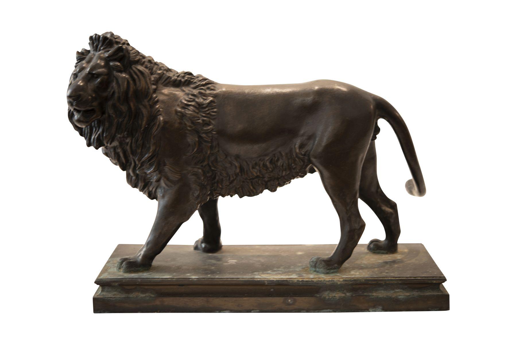 #204 Bronze Sculpture, Standing Lion | Bronzeskulptur, Stehender Löwe Image