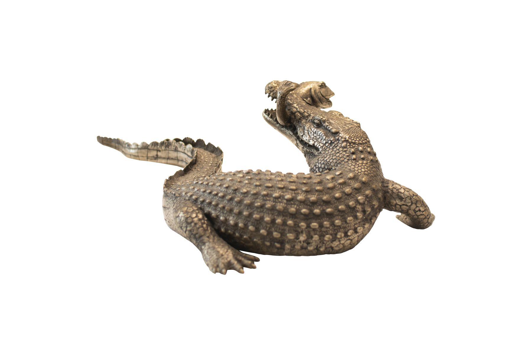 #209 Large Sculpture, Fish-Catching Crocodile   Große Skulptur, Fisch fangendes Krokodil Image