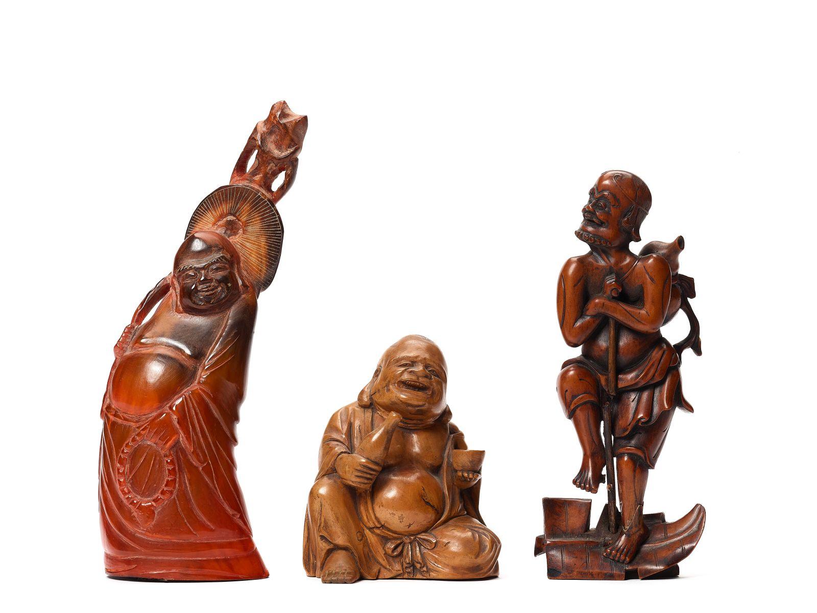 #80 A Mixed Lot of Chinese and Japanese Carvings | Ein gemischtes Lot chinesischer und japanischer Schnitzereien Image